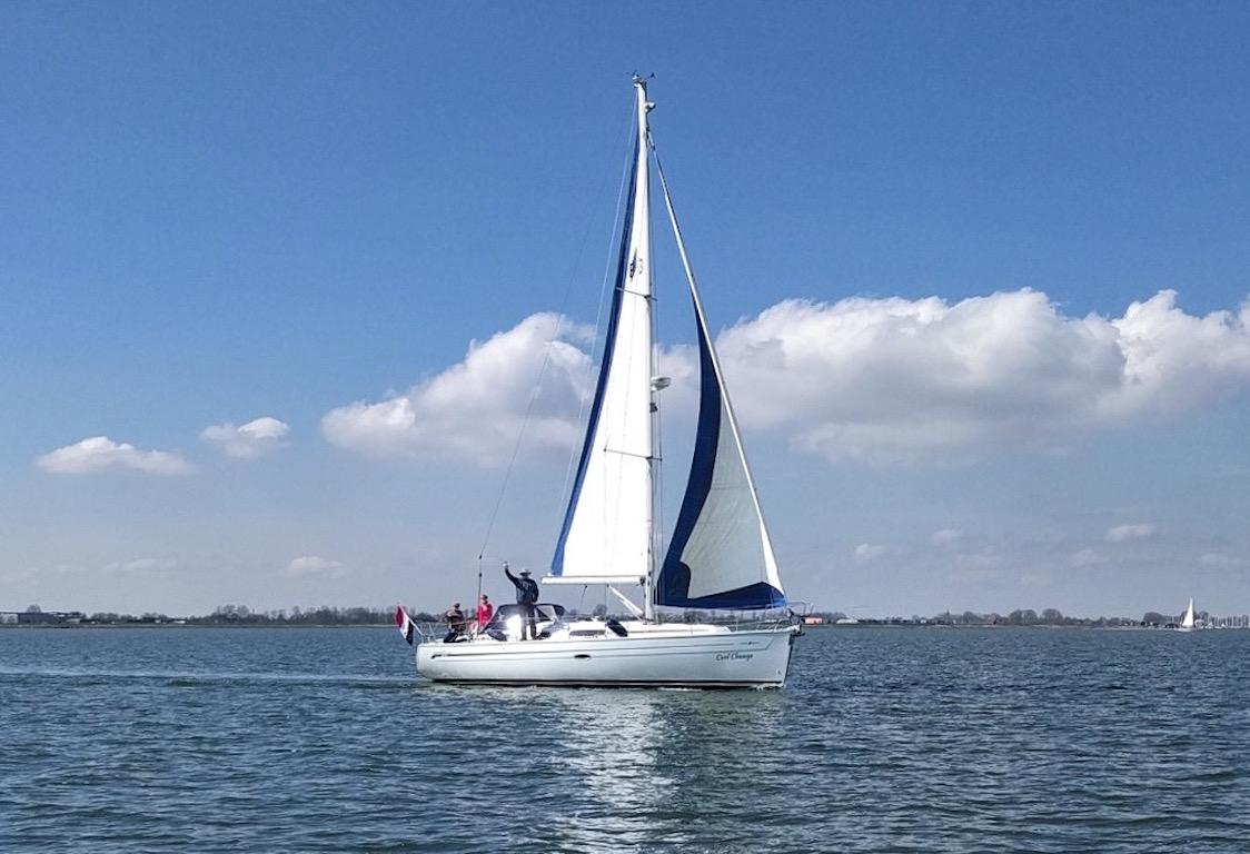 Zeilboot Bavaria 38 zeilend