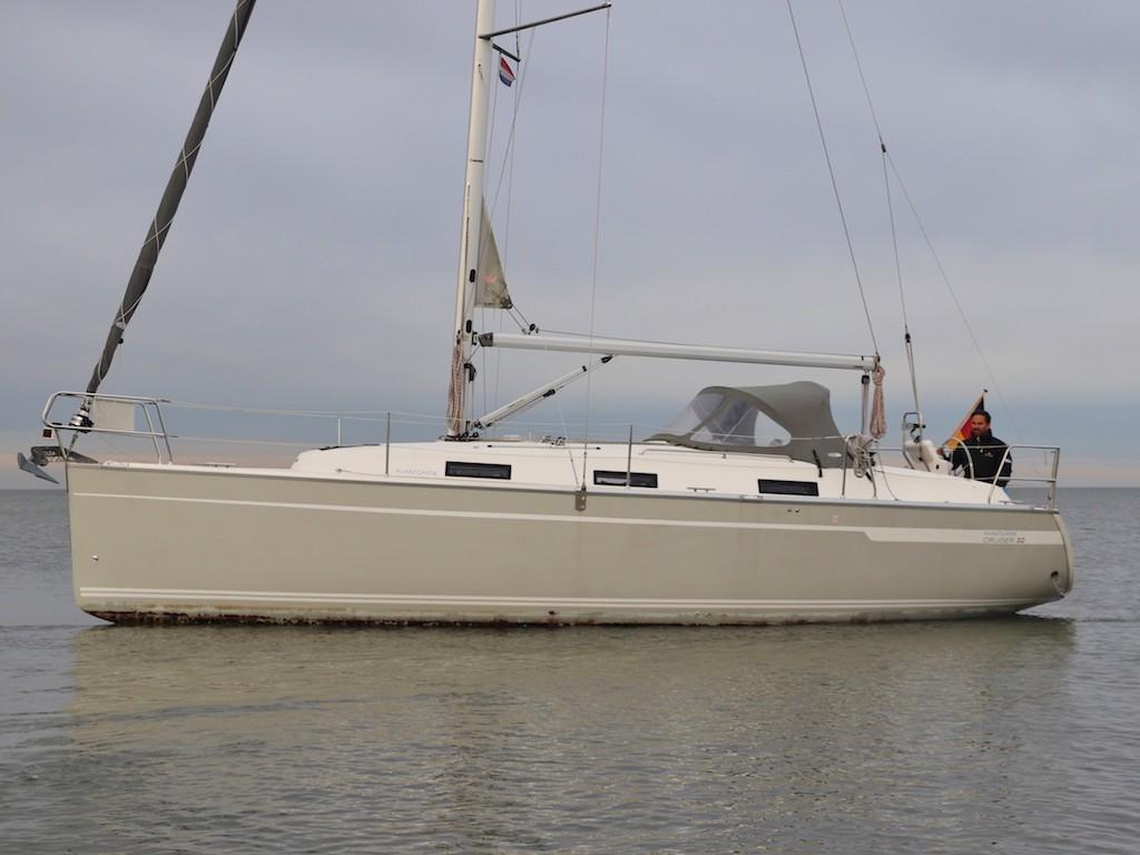 Zeilboot Bavaria 32 varend